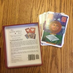 ❤️ Love Spell Book and Cards, excellent condition.